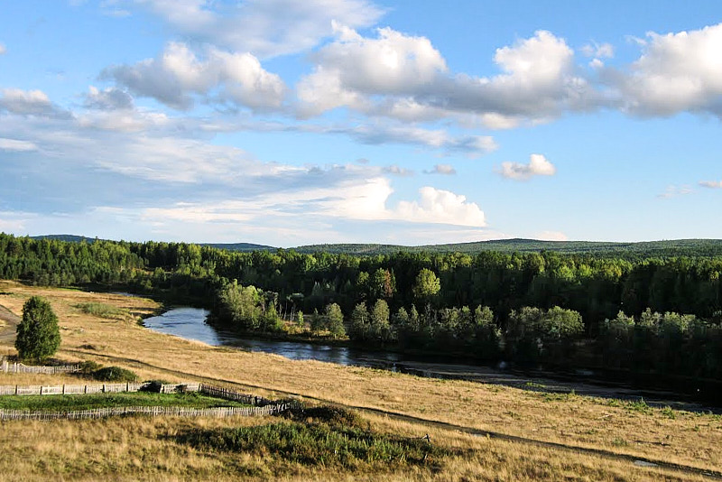 Летняя река Ляля