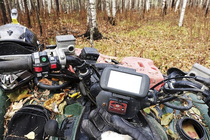 Навигатор Garmin на квадроцикле Yamaha Greezly