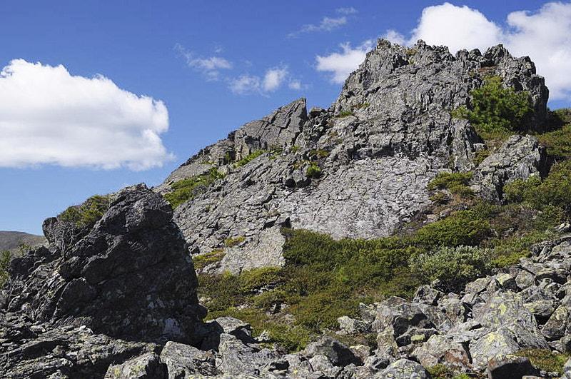 гора Семичеловечья вершина