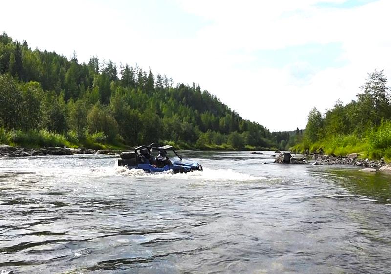 Переправа через реку Ивдель Polaris Grizzly