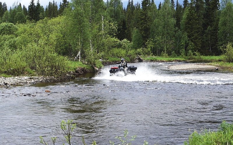 Переправа через реку Тошемка на Polaris Grizzly