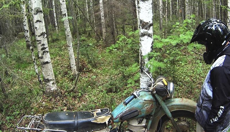 Мотоцикл Иж-Планета в Пермском треугольнике